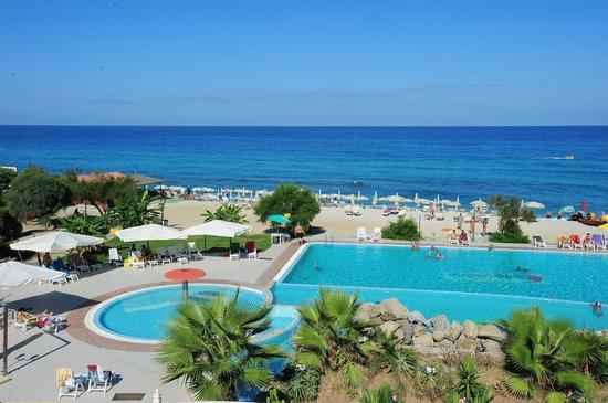 Hotel  Solemare: Panoramica spiaggia - piscina