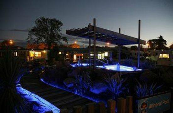 Rotorua Top 10 Holiday Park: Mineral Pools