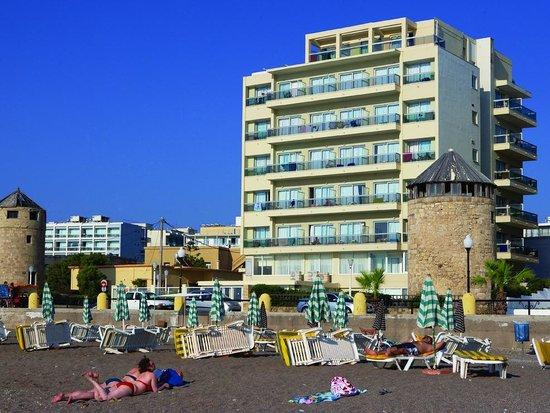 Hotel Riviera: The hotel
