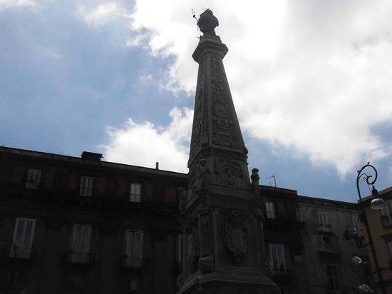 Piazza San Domenico Maggiore: Il cielo su San Domenico