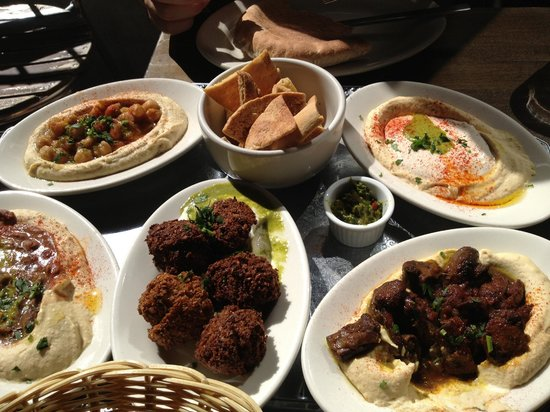 Hummus Place : Hummus platter and falafel