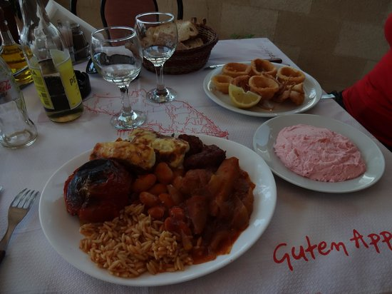 Carrusel Restaurant: assiette grecque, tarama et calamar