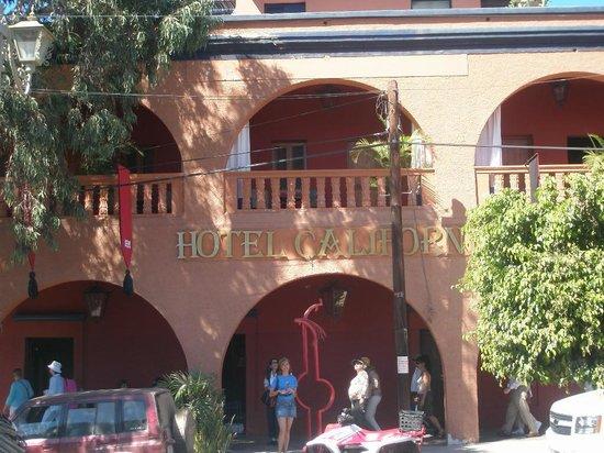 A las puertas del famoso Hotel California