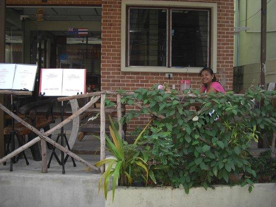 Taphouse: Balcony overlooking the street