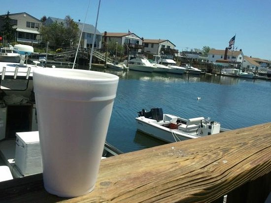 Jeremy's Ale House: Large, cold beer on a warm, sunny day