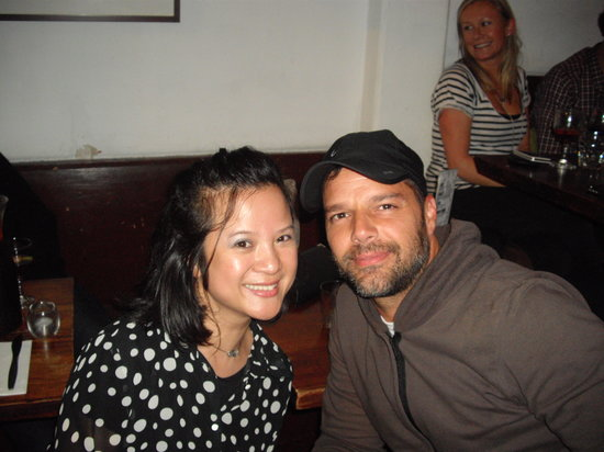 Mojo's Tapas Bar: Ricky Martin dine at Mojo's 31/5/13