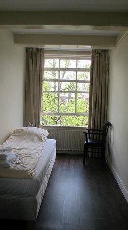 Prinsenhof: Simple but comfortable room