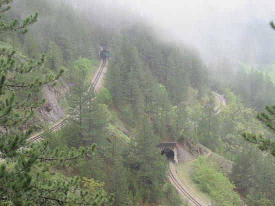 Sargan Eight Railway: train tunnels
