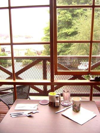 Hideaway on George: breakfast room view