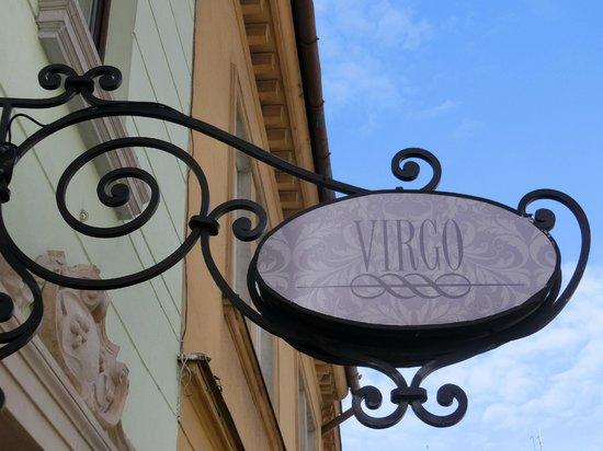 Garni Hotel Virgo: Вывеска отеля