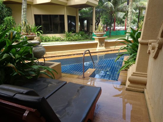 Kata Beach Resort and Spa: Pool Access Room - pool & spa