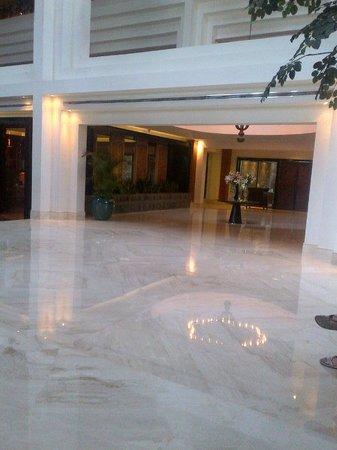 Gran Melia Jakarta: lobby
