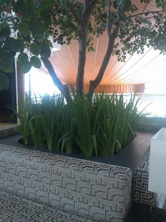 Gran Melia Jakarta: reception area