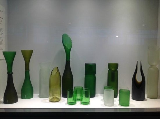 Corning Museum of Glass : elegant reuse of common objects