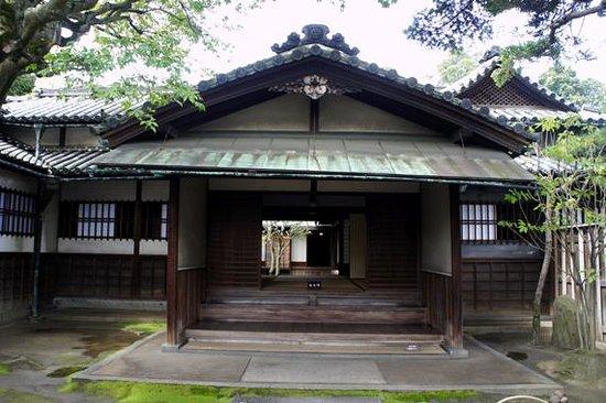 Former Nozakike House: 御成門から見た玄関