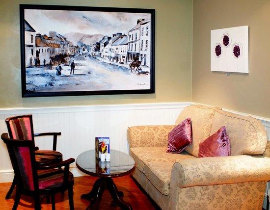 Kenmare Bay Hotel & Resort: Courtyard Bar