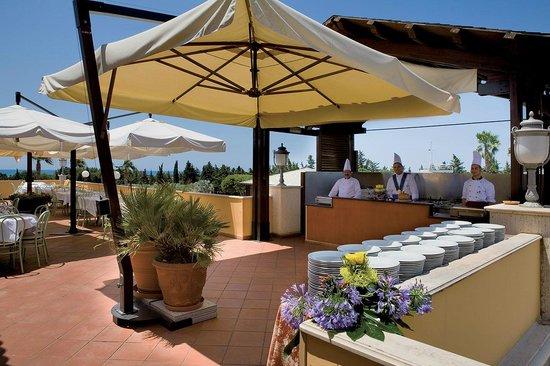 Baia Samuele Hotel Villaggio: Ristorazione.