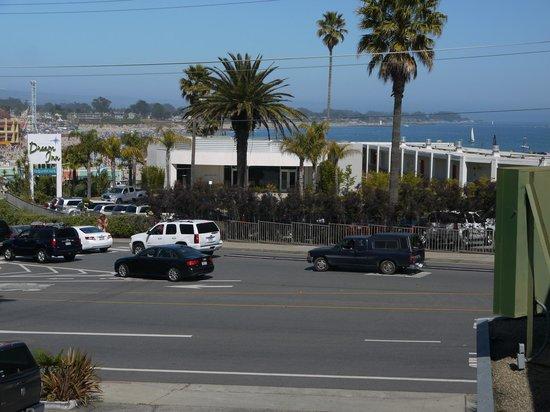 Seaway Inn: Beach view - well, sort of