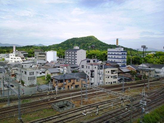 Kashihara Royal Hotel: 部屋から望む甘橿丘
