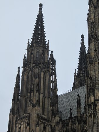 Avantgarde Prague Tours : Soaring spires