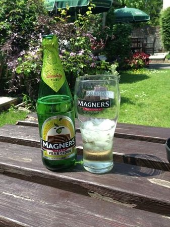 The New Inn: Magners in the beer garden