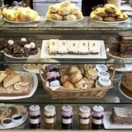 Robson's of Lewes: A (small) picture of the cake display cabinet