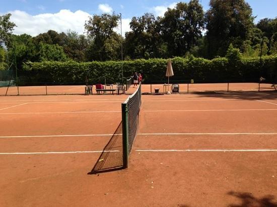 Park Hotel Villa Ariston: i campi da tennis all interno del parco