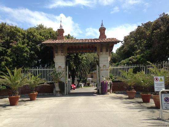 Park Hotel Villa Ariston : l entrata della villa
