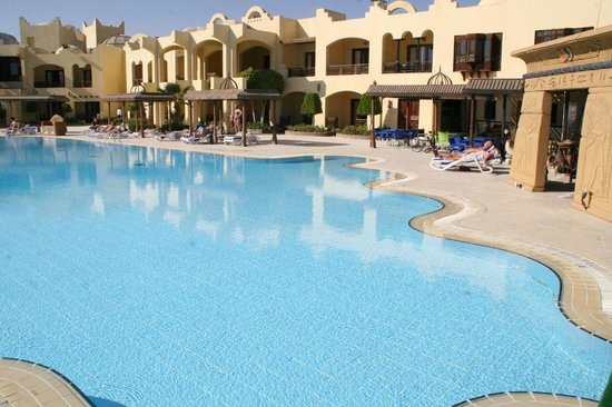 Sunny Days Palma De Mirette Resort & Spa: Отель и местность