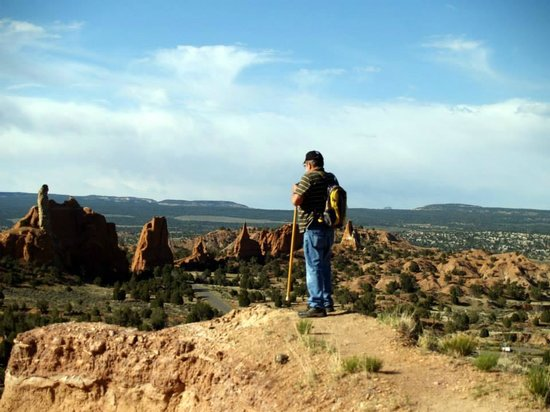 Kodachrome Basin State Park: Enjoying the view on one of Kodachrome's hikes.