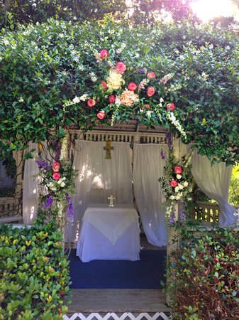 Herlong Mansion Bed and Breakfast Inn: June 1st Gazebo Wedding