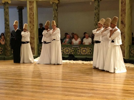 Sufi Music Concert & Whirling Dervishes Ceremony : Between dance sequences