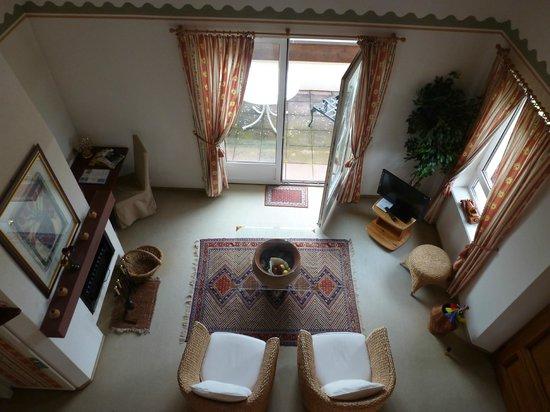 Kanzel Suites & Residences : salon vue de la mezzanine
