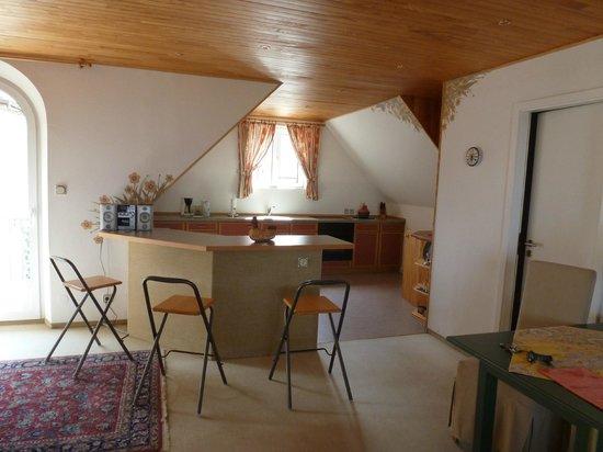 Kanzel Suites & Residences : cuisine