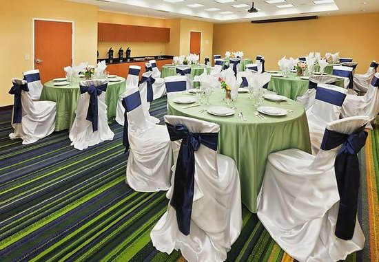 Fairfield Inn & Suites Tulsa Southeast/Crossroads Village: Banquet Room