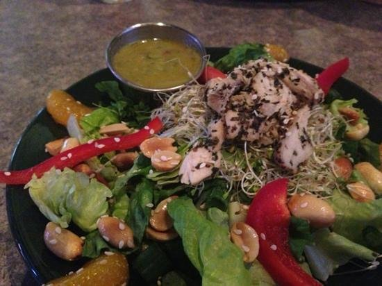 MacKenzie River Pizza Co: Thai salad