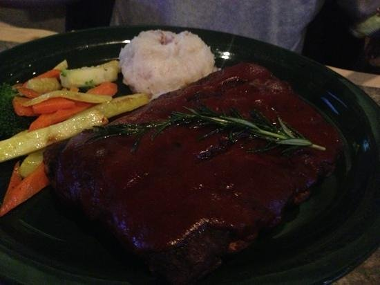 MacKenzie River Pizza Co: ribs