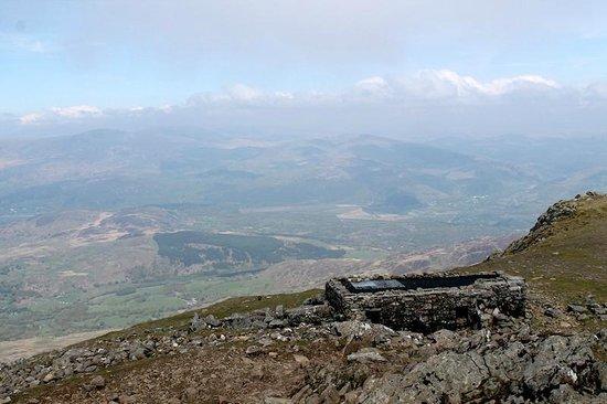 Cader Idris: Shelter at the summit of Cadair Idris