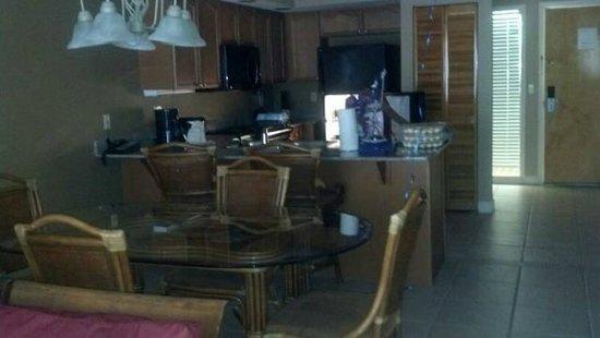 Legacy Vacation Resorts-Lake Buena Vista: Dining room and Kitchen