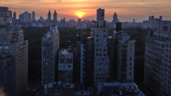 The Carlyle, A Rosewood Hotel: Sunset the first night's stay