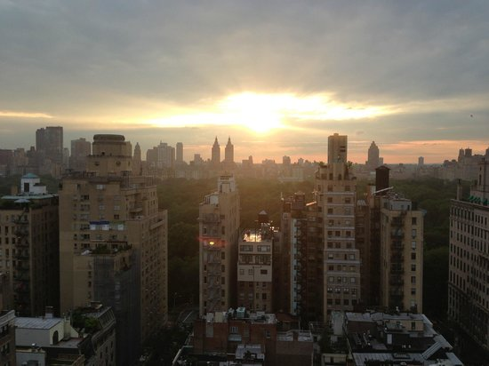 The Carlyle, A Rosewood Hotel: More incredible sun set pics