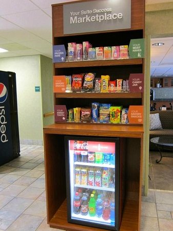 Comfort Suites: NEW! MarketPlace Pantry