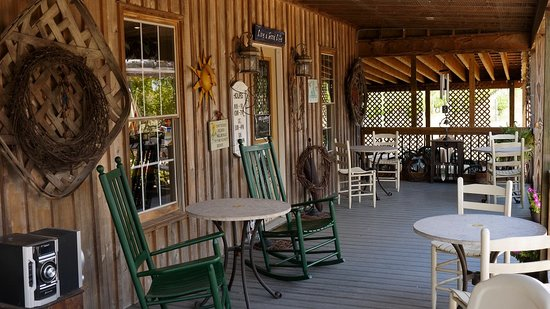 The Winery at Iron Gate Farm: The porch area of the rustic wine and tasting building