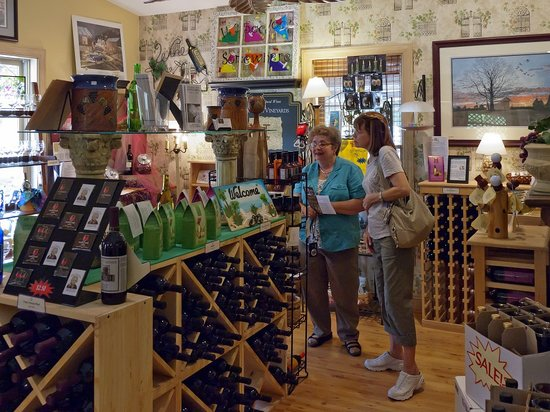 The Winery at Iron Gate Farm: Another view of the gift shop area