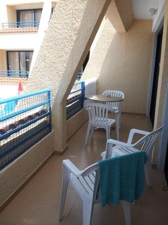 Napa Prince Hotel Apartments: Balcony