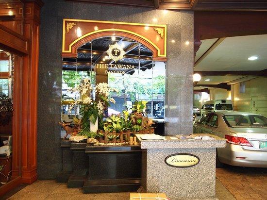 The Tawana Bangkok: Main Entrance