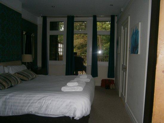 Harrogate Boutique Apartments: back bedroom
