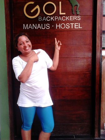 Mao Hostel: Helem, em frente ao hostel