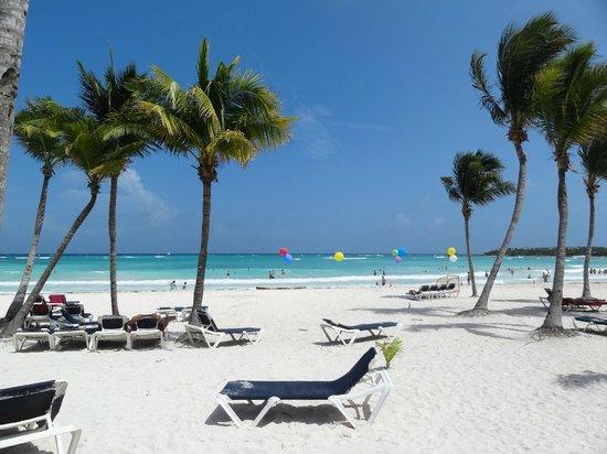 บาร์เซโลมายาบีช: Playa Barcelo maya beach