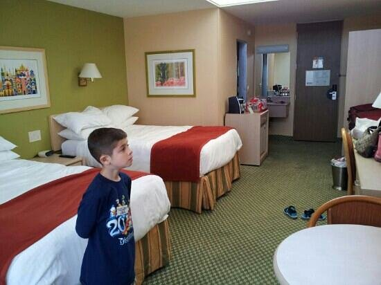 Howard Johnson Anaheim Hotel and Water Playground: Our room.